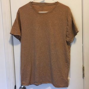 Urban Outfitters | standard fit t-shirt